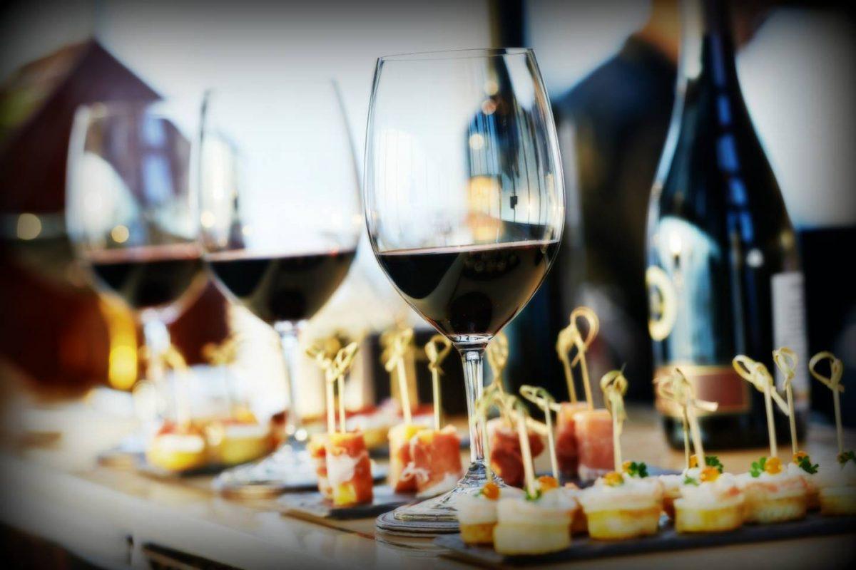 Catering med vin och mat som passar ihop